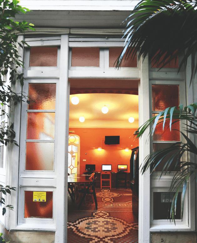 École d'espagnol Taronja. Sala chill out y terraza