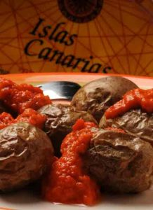 Spanish cooking lesson: Wrinkled potatoes with canarian sauce